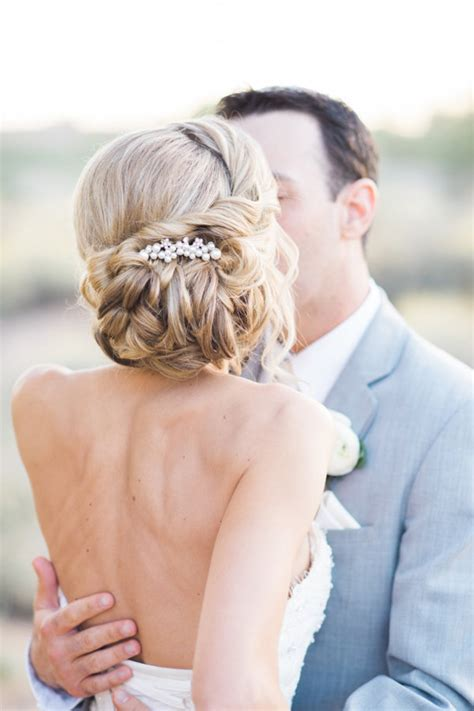 16 Romantic Wedding Hairstyles for 2016/2017 Brides