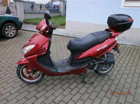 Versicherung F R Motorroller 50ccm by Roller 50ccm Rot Topcase Versicherung Bis 2 14 In F 252 Rth