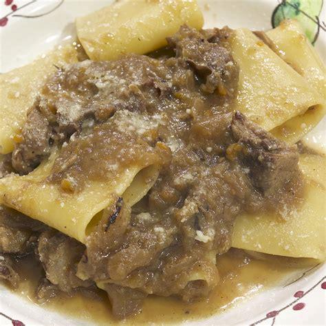 ricette cucina genovese i paccheri alla genovese un must della cucina partenopea