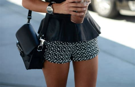 black and white patterned shorts outfit tank top peplum leather shorts pattern bag jewels