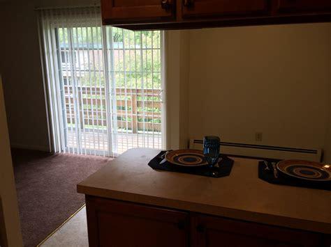 2 bedroom den 2 bedrooms 1 5 bathroom with den clay court apartments