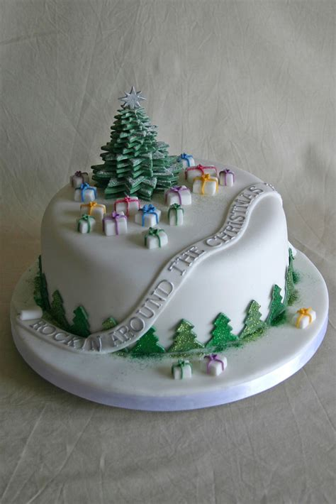 easy classy christmas tree from fondant 50 creative cakes cool to eat hongkiat
