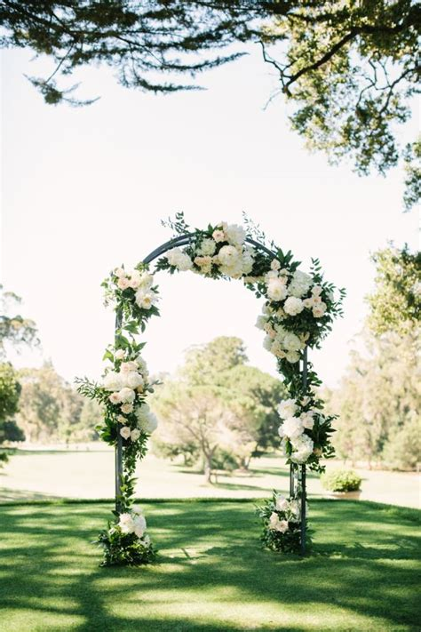 Wedding No Arch 25 best ideas about outdoor wedding arches on