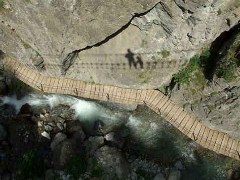claviere web tra cesana e claviere il ponte tibetano pi 249 lungo mondo
