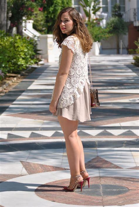 elena  zara dress valentino shoes rockstud pink pumps lookbook