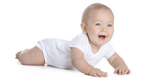 wann kann mein baby krabbeln dein baby robbt ein neuer meilenstein ist geschafft