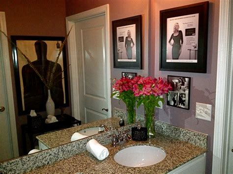 guest bathroom bulls eye print personal visa black card ad helmut newton print paint color