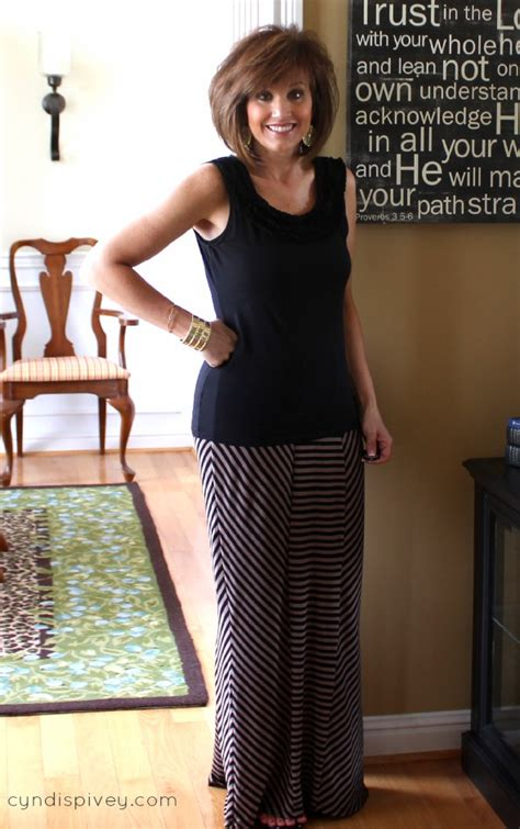 how to wear a maxi over 50 maxi skirt fashion for women over 40