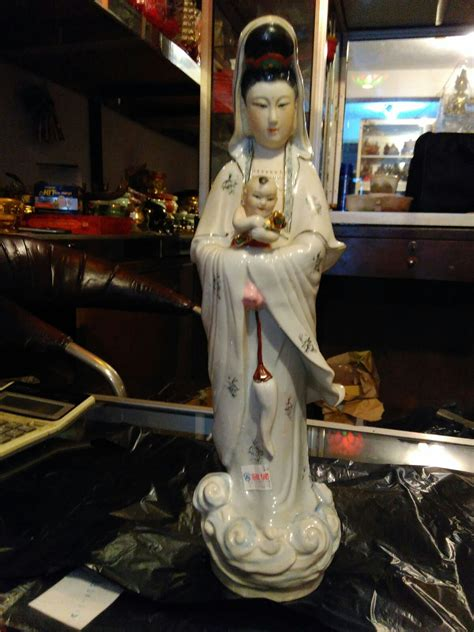 Pajangan Patung Dewi Kwan Im Patung Dewi Kwan Im Lq 344 W T1310 jual patung dewi kwan im gendong anak keramik dhammamanggala