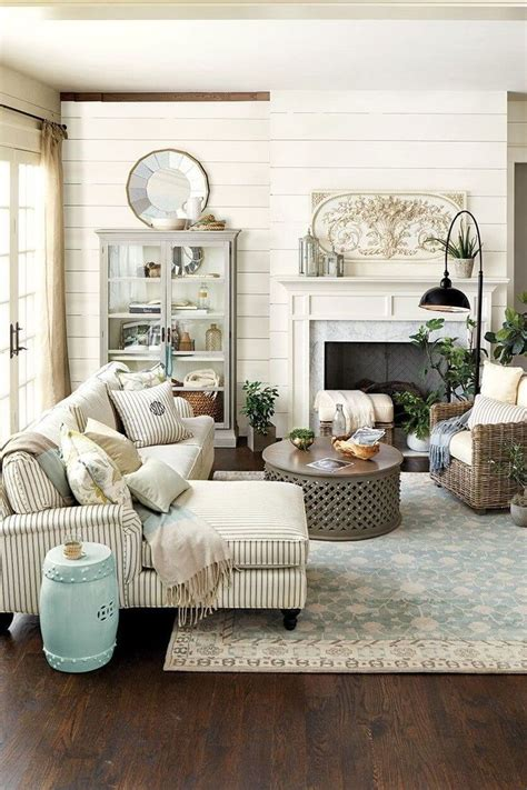 best 25 farmhouse living rooms ideas on