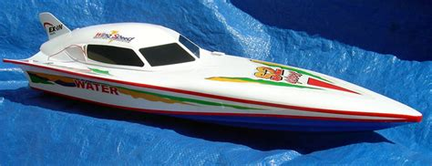 28 blazingly fast victory ep racing rc boat ep777 28 quot fastest electric rc boat the syma electric powered