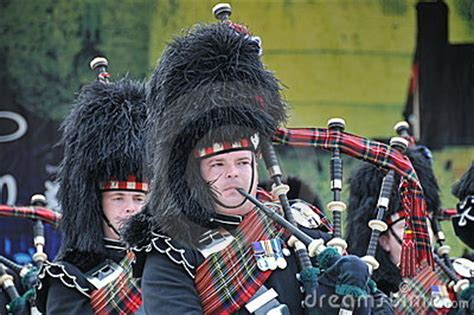 edinburgh tattoo going home image gallery scottish pipes