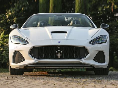 maserati sedan 2018 2018 maserati granturismo debuts with subtly refreshed