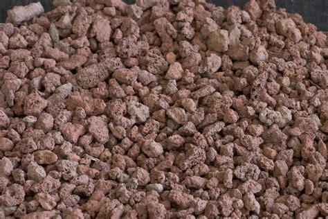 lapilli vulcanici per giardino lapillo vulcanico alla scoperta di un materiale prezioso