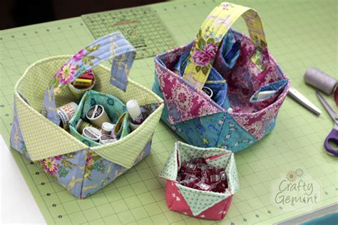 Handmade Gifts For Quilters - diy fabric easter basket tutorial crafty gemini