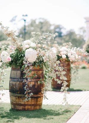 Wedding Aisle Marker Ideas by 25 Best Ideas About Country Weddings On