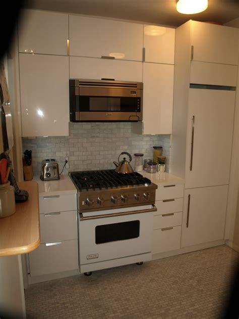 ikea white gloss kitchen cabinets viking liebherr bosch white kitchen suite ikea high