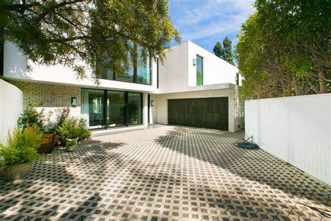 Jenner New House by Kendall Jenner New House Emily Blunt Krasinski