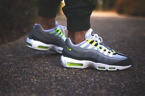 nike air sneakers nike air max 95 id 171 neon alternate 187 par sneakers addict