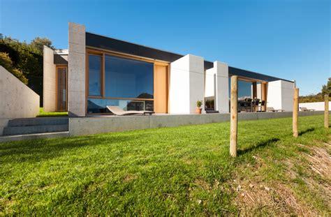 fertighaus aus beton fertigteilen fertigteilhaus beton emphit