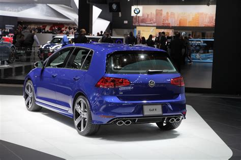 golf volkswagen 2016 2016 vw golf r facelift release date price and specs