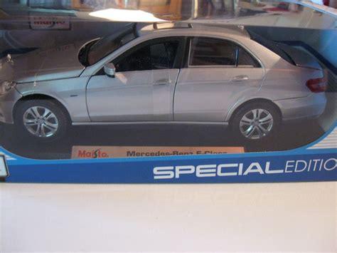 Mercedes E Class Coupe Diecast Miniatur maisto 1 18 mercedes e class new diecast car silver ebay