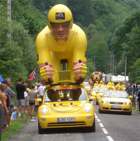 if you are on a tour to france then paris happens to be on top of pedal mossor 211 tour de france 2011