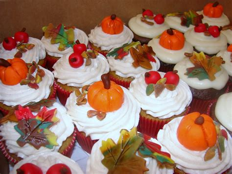 fall decorated cupcakes ipsy bipsy bake shop fall color cupcakes