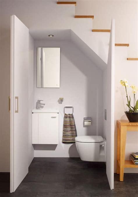 idee rivestimento bagno piccolo oltre 25 fantastiche idee su bagni piccoli su