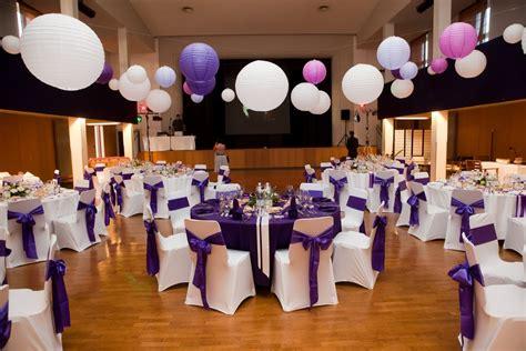 table de salle des fetes l effet d 233 co violet et blanc fee de l effet