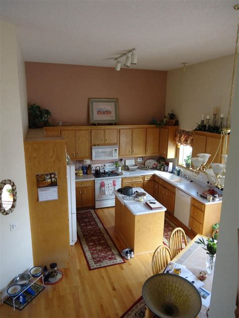 tuscan kitchen paint colors pictures ideas from hgtv hgtv traditional tuscan kitchen makeover chantal devane hgtv