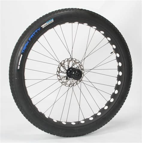 Large Dia Low Profile Tire Carbon Wheel Set 95369 tire design