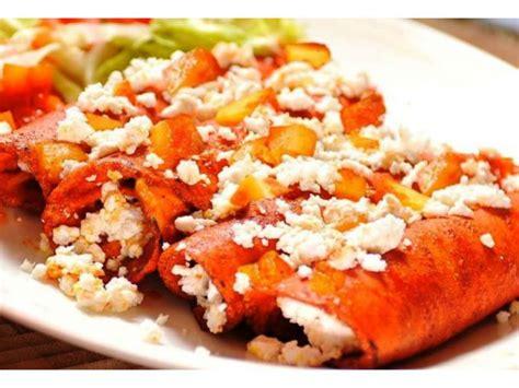 imagenes enchiladas rojas 18 tipos de enchiladas a las que no podr 225 s resistirte