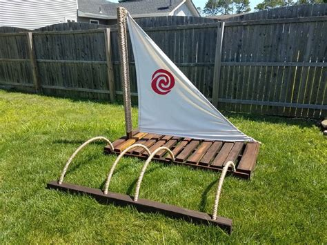 moana s boat moana birthday theme party pinterest - Moana Boat Pallet