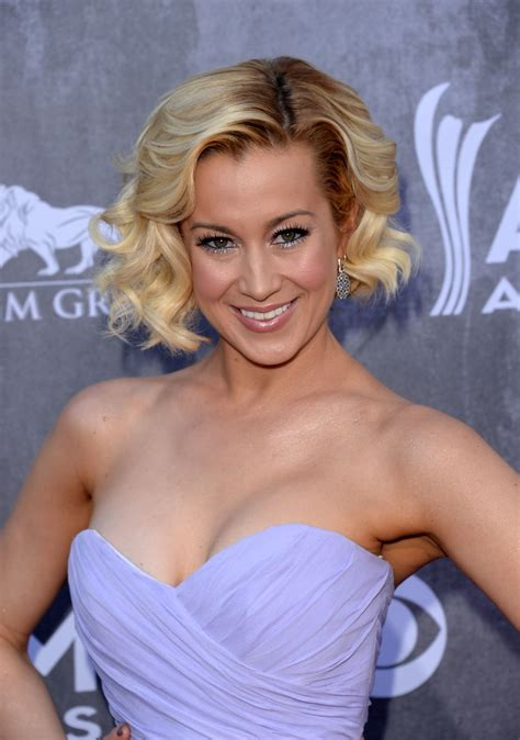 KELLIE PICKLER at 2014 Academy of Country Music Awards