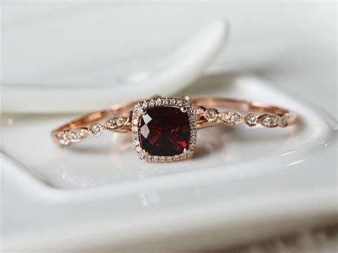garnet wedding ring