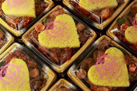 Miniatur Snack Dalam inovasi baru sajian nasi tumpeng mini imut money id