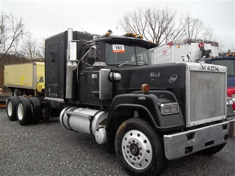 Mack Superliner With Sleeper For Sale by 1986 Mack Superliner Trucks For Sale Bigmacktrucks