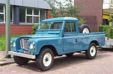 land rover series 3 109 file land rover 109 pick up 1980 jpg wikimedia commons