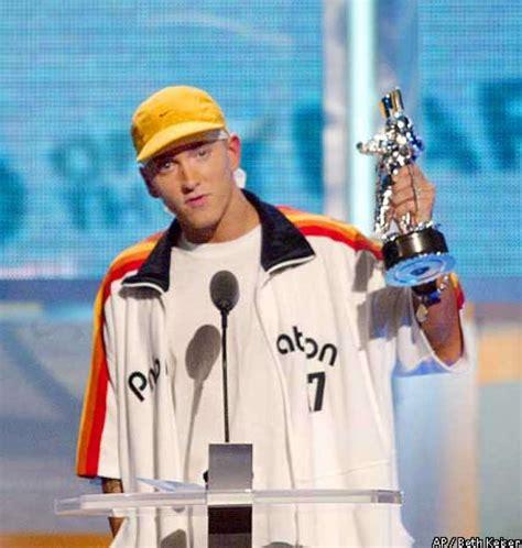 eminem awards a few surprises at mtv awards eminem a predictable
