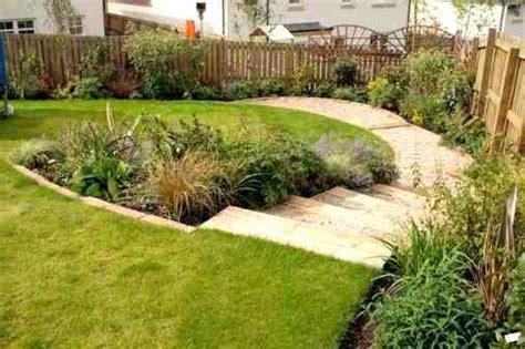 small sloped backyard landscaping landscape sloped yard alabamainauguration com