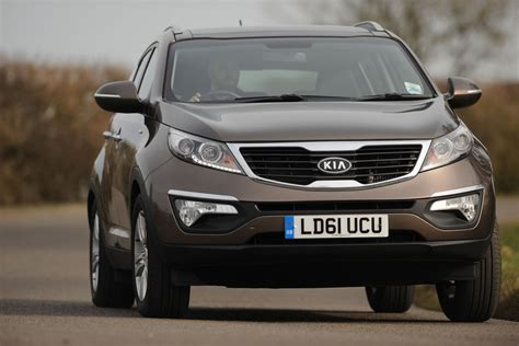 Kia Sportage 2 Review Kia Sportage 2 0 Crdi Kx 3 Review Subaru Xv Vs Kia