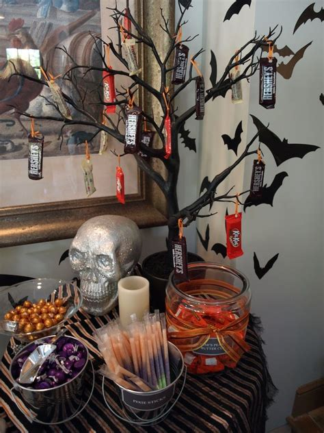 pretty halloween decorations ideas   year