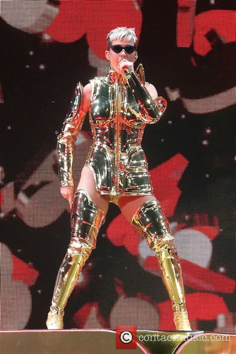 katy perry biography in spanish katy perry biography news photos and videos