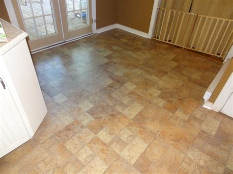 Best Way To Clean Laminate Floors Without Leaving Streaks by How To Clean Laminate Floors Great Ways To Clean Pergo