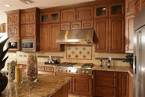 Kitchen Backsplash Ideas With Oak Cabinets This Is The Color Scheme I Want For My Kitchen Granite Medium Brown Cabinets Light