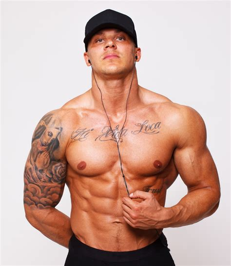body builder with pixie cut body building wallpapers men hq body building pictures