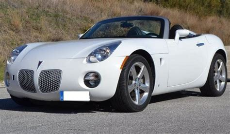 pontiac sports car 2006 pontiac solstice 2 4 cabriolet 2 seater convertible