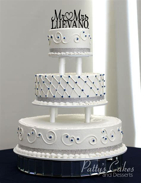 Tiered Wedding Cakes by Photo Of A Tiered Wedding Cake Patty S Cakes And Desserts