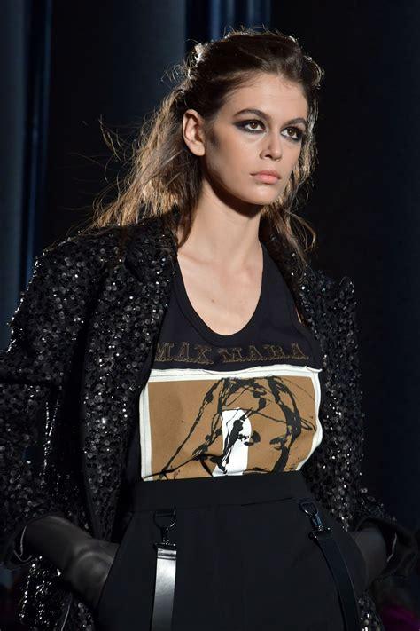 kaia gerber next supermodel kaia gerber supermodel runway walk max mara fashion show